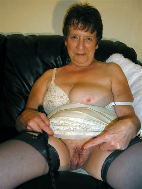 Older Grandmother Nude Photos