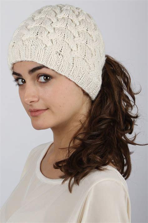 hairstyles  wear  winter hats women hairstyles