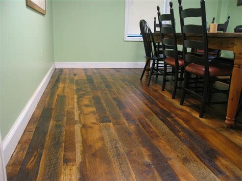 barn wood flooring reclaimed barn wood laminate flooring