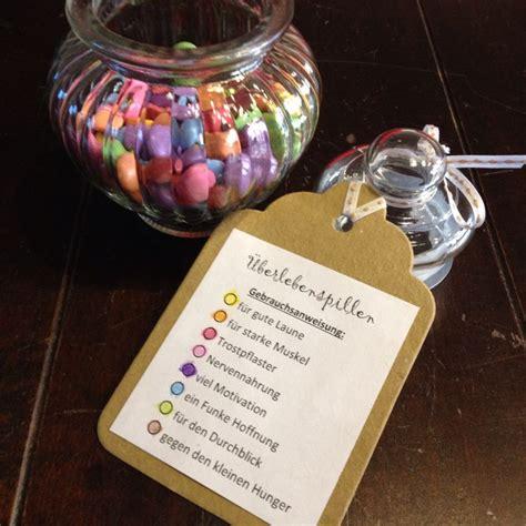 lustige geschenke für männer zum selbermachen survivalglas 220 berlebenspillen mit schokolinsen present