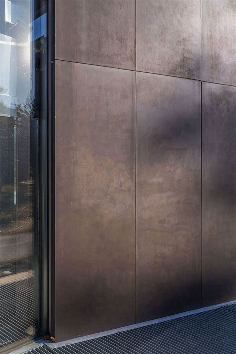 steel cladding bronze panel bowdoin art center