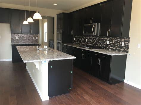 espresso kitchen cabinets with granite timberlake sonoma espresso cabinets ashen white granite 8877