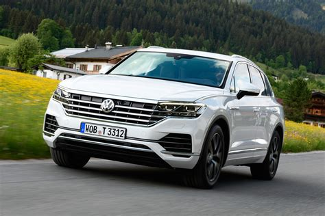 New Touareg 2018 by New Volkswagen Touareg 2018 Review Pictures Auto Express