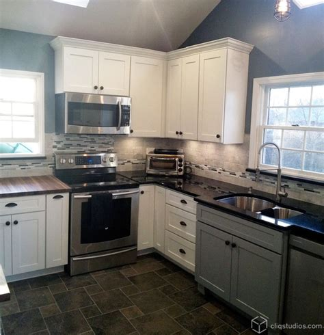 Multi Tone and Multi Finish Kitchens   Traditional   Kitchen   new york   by CliqStudios Cabinets