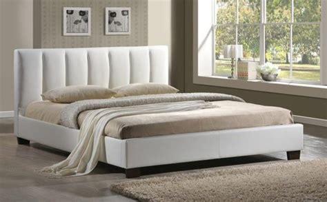 chambre blanche et beige chambre grise et beige chambre coucher adulte u2013 125