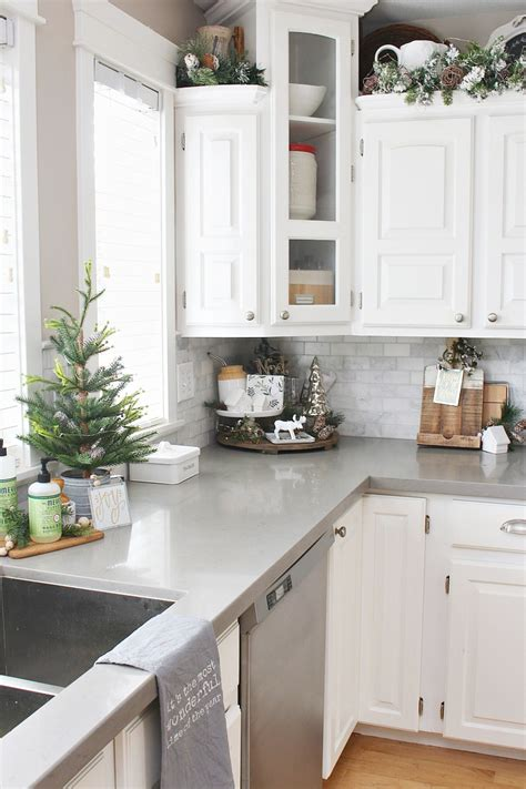 Christmas Kitchen Decorating Ideas  Clean And Scentsible. Kitchen Cupboards Vaal Triangle. Kitchen Island Frame. Small Kitchen Blueprints. Kitchen Tiles How To Choose. Vintage Kitchenaid Coffee Grinder. Little Expat Kitchen Fava. Kitchen Life Of A Navy Wife Breakfast Pizza. Happy Kitchen Decoration Cake
