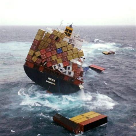 zealand oil leaks  cargo topples  stricken ship