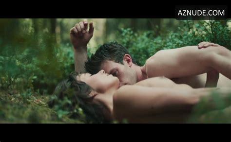 jannis niewohner sexy scene in jonathan aznude men