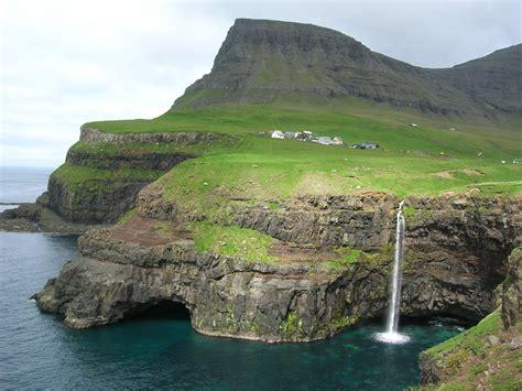 Panoramio - Photo of Gásadalur, Faroe Islands