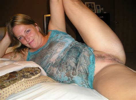 Naked Mature Housewives Image