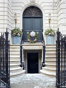 Holiday Front Doors - Home Decorating Blog - Community ...