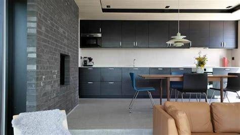 inges hytte vant byggeskikkpris black dining room