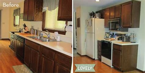 Kitchen Makeover 2000 by Before And After A Stylish Diy Kitchen Makeover For 2000