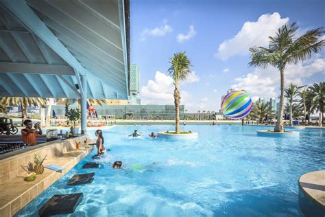 Corniche Residence Abu Dhabi Resort Rotana Abu Dhabi Uae Booking