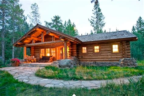 rustic cottage  relaxation oasis   woods home