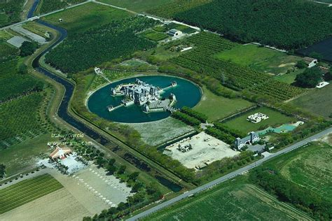 Spectacular House Surrounded By Moat by 11 Best Castle Style Homes Images On