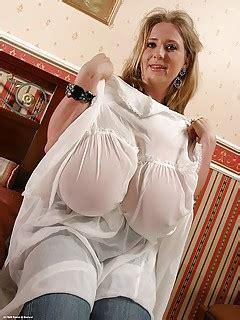 Giant Tits Pics Perfect Naked Boobs Big Titties