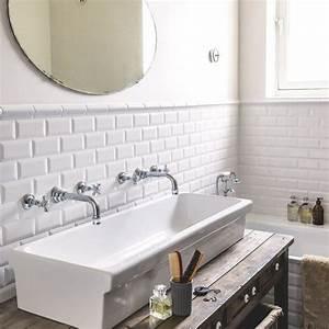 salle de bains blanc 20 photos deco tres inspirantes With salle de bain design avec décorations de noel blanches