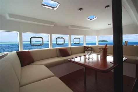 chaises cuisine fly croisière en corse en voilier catamaran corse lavezzi