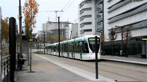 tramway t2 marche 224 blanc 3 sur le prolongement porte de versailles nikon d90