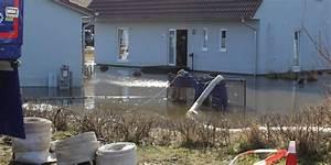 Haus Im Wasser : haus steht unter wasser ~ Watch28wear.com Haus und Dekorationen