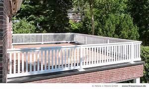 terrassen sichtschutz hartholz 25 jahre garantie With französischer balkon mit haus und garten katalog