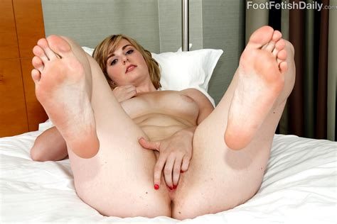 Babe Today Foot Fetish Daily Alice Nysm Insane Feet Xxx Body Porn Pics