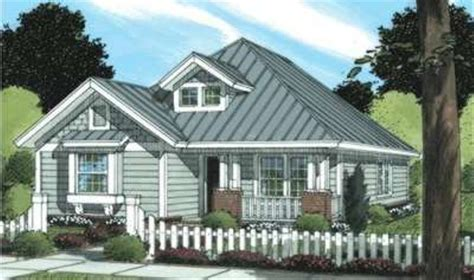 Craftsman Style House Plan 3 Beds 2 Baths 1376 Sq/Ft