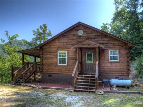 affordable two bedroom log cabin rental near bryson city
