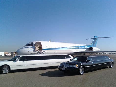 Limousine Airport by Limousine And Sedan Airport Service