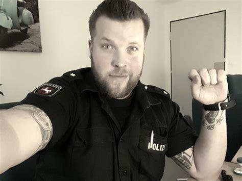 tattoos bei der polizei verboten oder toleriert