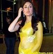 Kareena Kapoor Navel Show Stills In Yellow Saree - Actress ...