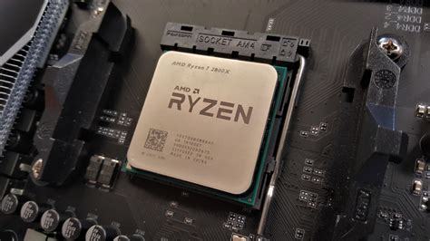 amd  holding   ryzen      core intel