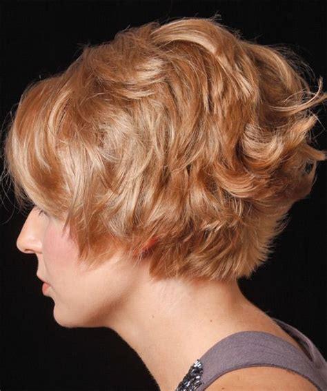 short stacked curlywavy hair