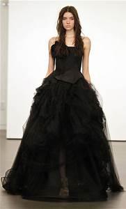Robe De Mariée Noire : robe de mari e couleur quand la couleur s invite la f te ~ Dallasstarsshop.com Idées de Décoration