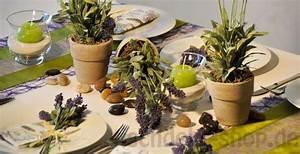 Deko Mediterran Ideen : tischdeko mediterran mit lavendel tischdeko sommer ~ Lizthompson.info Haus und Dekorationen