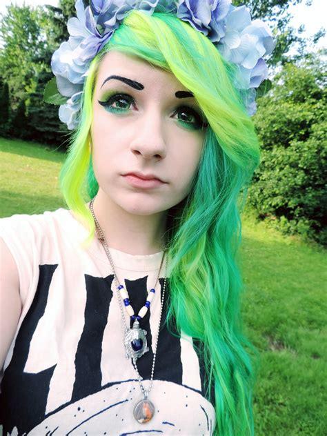 Risas Bright Neon Green Hair Hair Colors Ideas