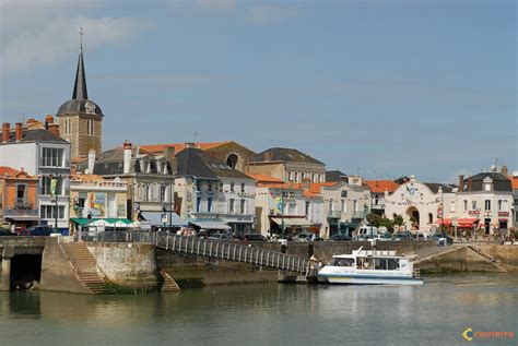 as towns worthing in west sussex and les sables des olonnes in vendee