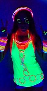 Top 25+ best Glow party outfit ideas on Pinterest | Neon dresses Body painting festival and ...
