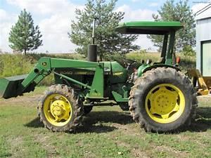 1982 John Deere 2040 Tractors - Compact  1-40hp