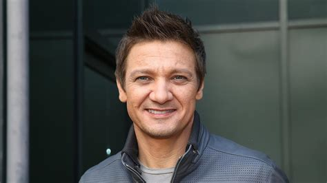Jeremy Renner Says His Daughter The Only Thing That