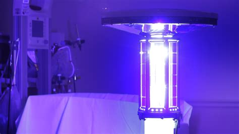 uv licht desinfektion ebola killing robots now being used in us hospitals extremetech