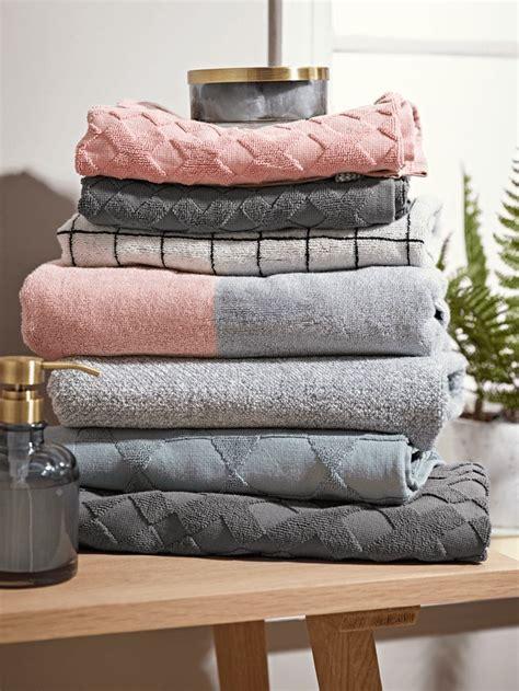 folding bath towels ideas  pinterest folding
