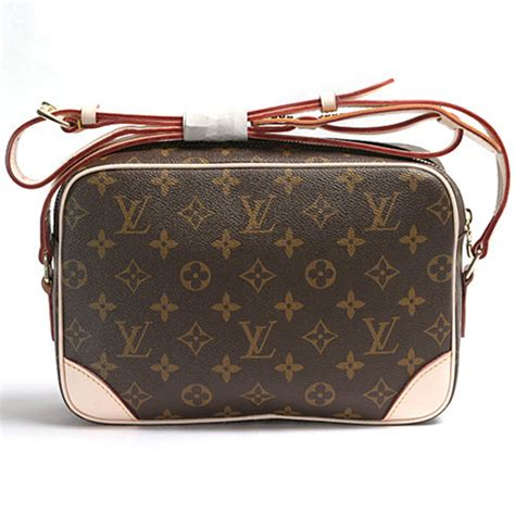 louis vuitton  trocadero  messenger bag monogram