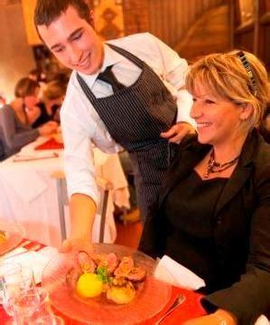 cap services en brasserie caf 233 28 apprentis d auteuil
