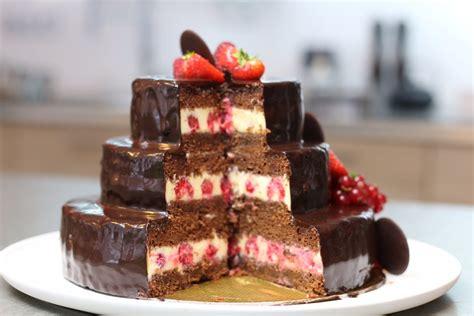 recette herve cuisine gâteau d 39 anniversaire au chocolat et glaçage brillant