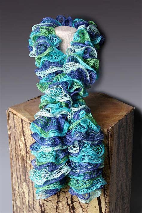 sashay ruffle scarf  bearyann