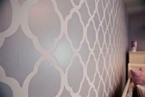Flieder Farbe Wand : 65 wand streichen ideen muster streifen und struktureffekte ~ Markanthonyermac.com Haus und Dekorationen