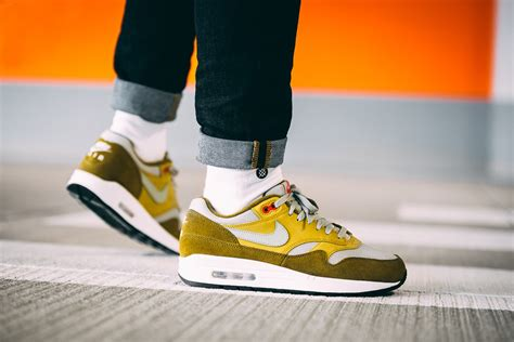 nike air max  premium retro green curry