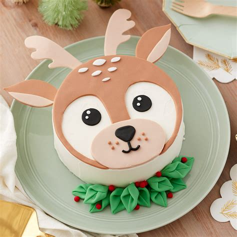delightful winter deer cake wilton